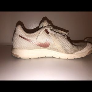 size 10 white nike shoes with rose gold swoosh